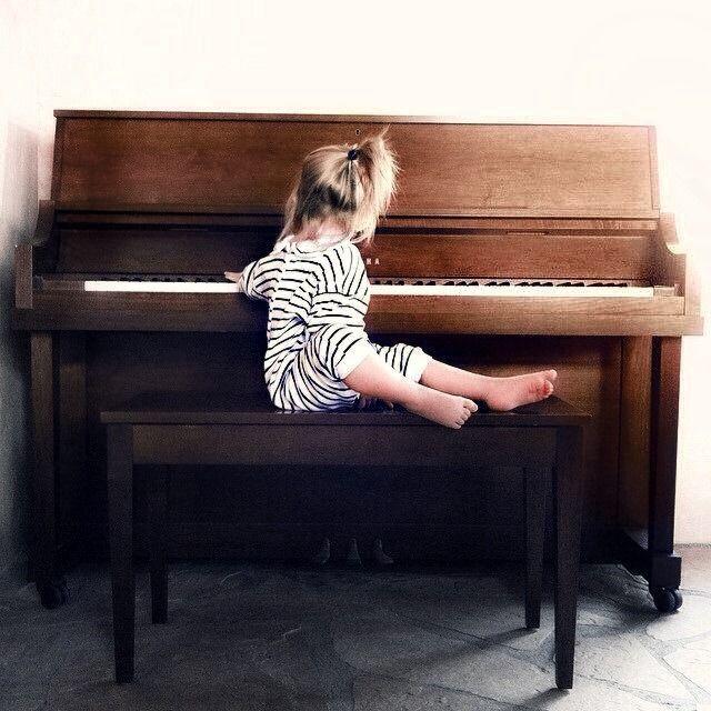 girl, piano