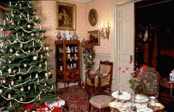 Victorian Christmas Decorations For The
