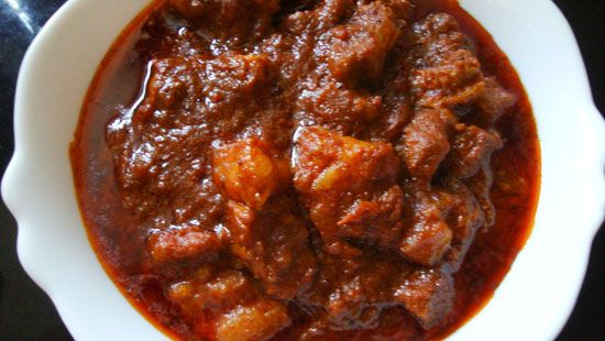Pork vindaloo vindaloo is a goan adaptation of a portuguse dish pork vindaloo vindaloo is a goan adaptation of a portuguse dish carne de vinhos e curry recipespork recipesvindaloo recipeschicken ccuart Gallery