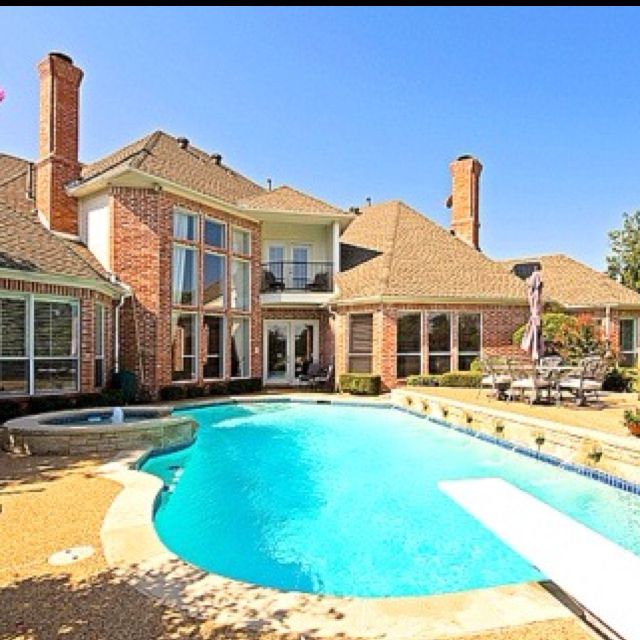 Beautiful Houses With Pools: Big House With An Awesome Pool! It Only Needs To Be In