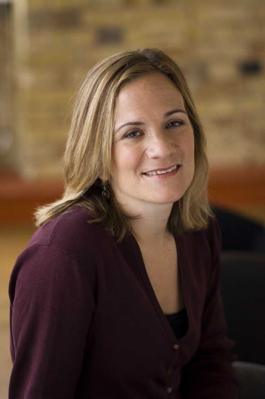 Tracy Chevalier Interview - YouTube