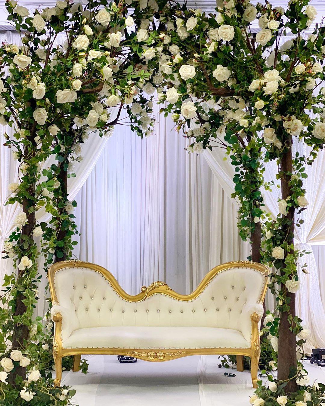 L A M A S F L O R I S T On Instagram Anther Beautiful Engagement Loveisintheair Greenary Roses Instagram Beautiful Engagement Beautiful