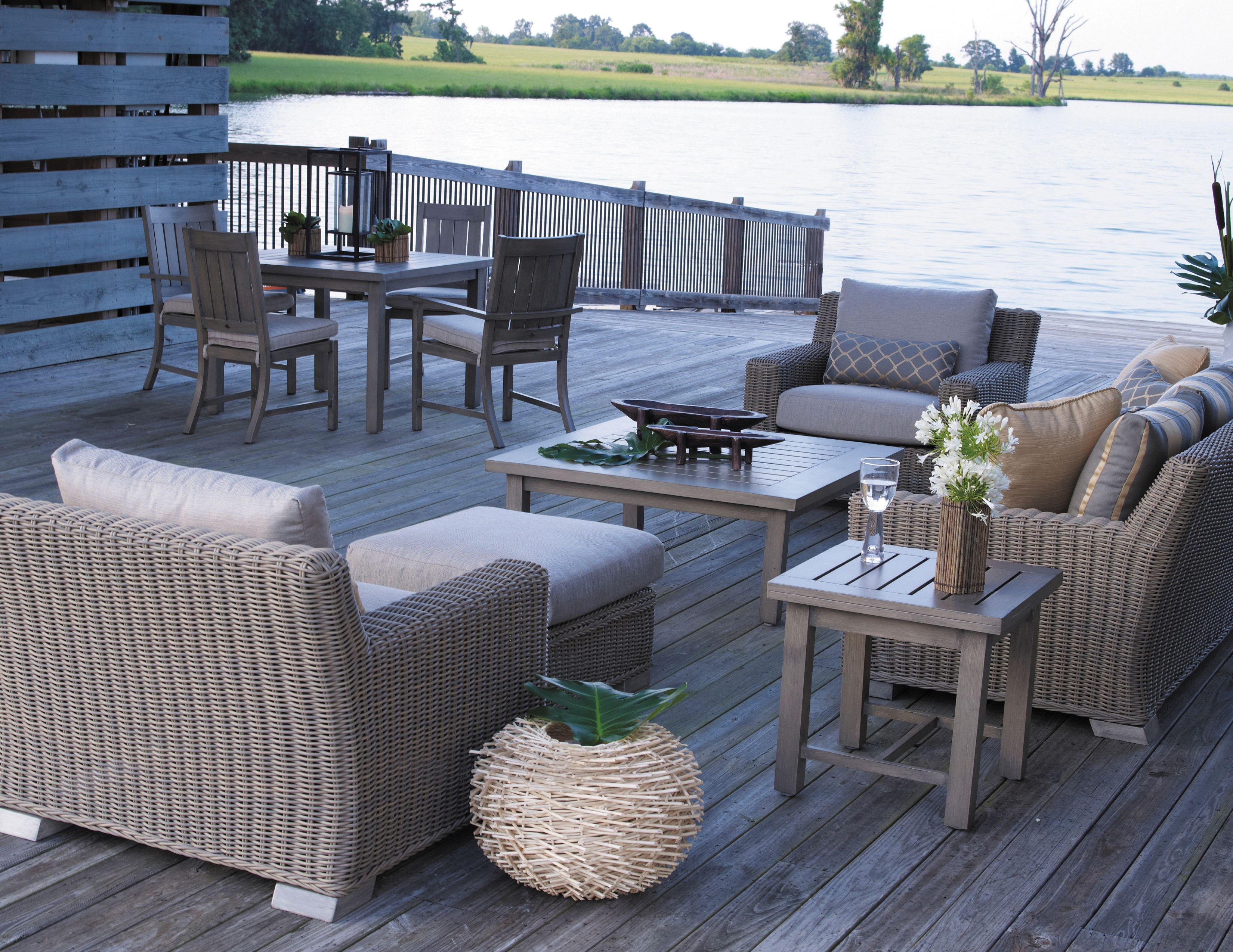 Create a unique look outdoors by mixing materials Here is Summer