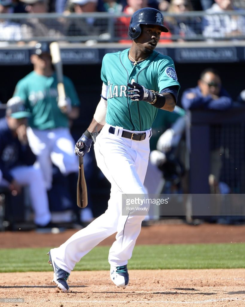 hot sale online 77925 b2914 Chicago White Sox v Seattle Mariners | Baseball - Uniforms ...
