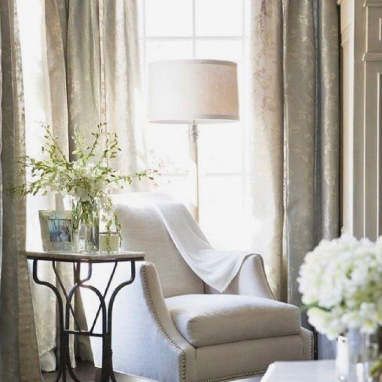 Brigitte Poitras On Instagram Je Sais Pas Pour Vous Mais Je M Imagine Si Bien M Y Prelasser How About Hangin Home Living Room Beautiful Living Rooms Home