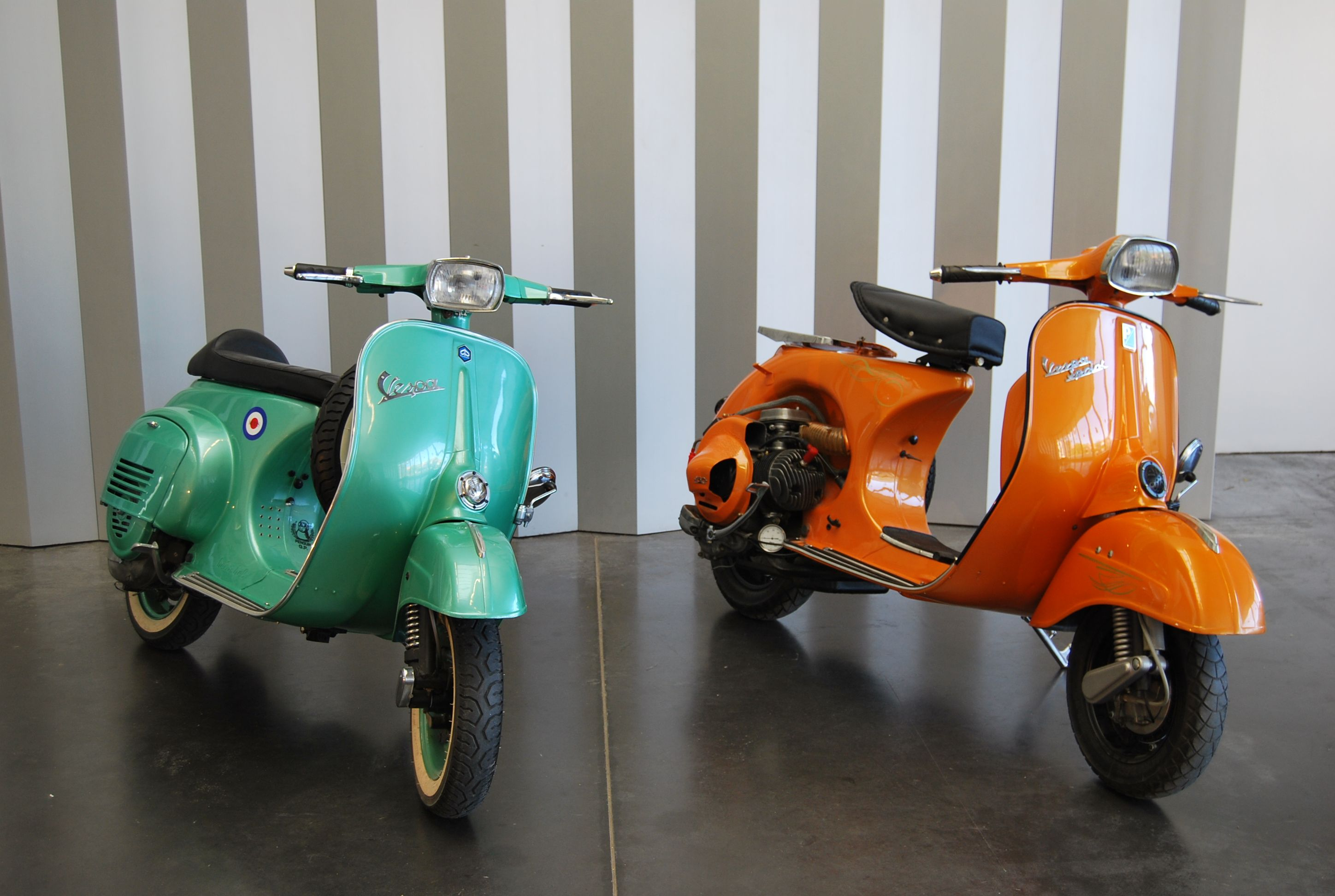 vespa primavera 125 green vespa sprint 150 orange bel. Black Bedroom Furniture Sets. Home Design Ideas