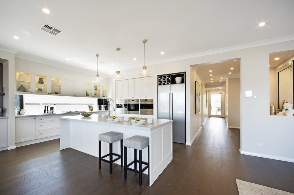 A Guide To The Most Popular Kitchen Configurations Popular Kitchen Designs Shaker Style Kitchen Cabinets Shaker Style Kitchens
