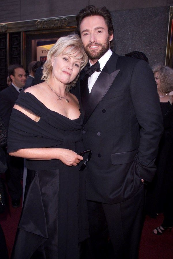Hugh Jackman And His Wife Deborra Lee Furness Arrive At The Tony Awards On June 2 2002 In New York Hugh Jackman Wife Jackman Hugh Jackman