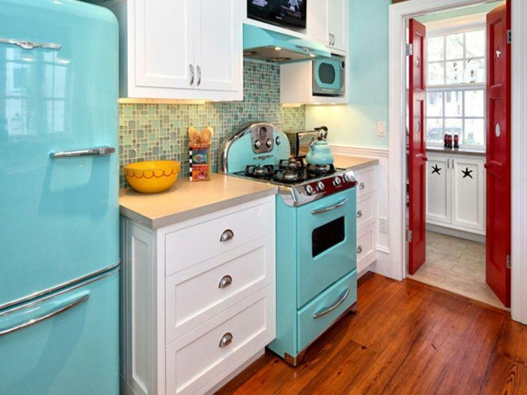 Retro Küche Einrichten Küchengeräte Retro Kühlschrank In Hellblau
