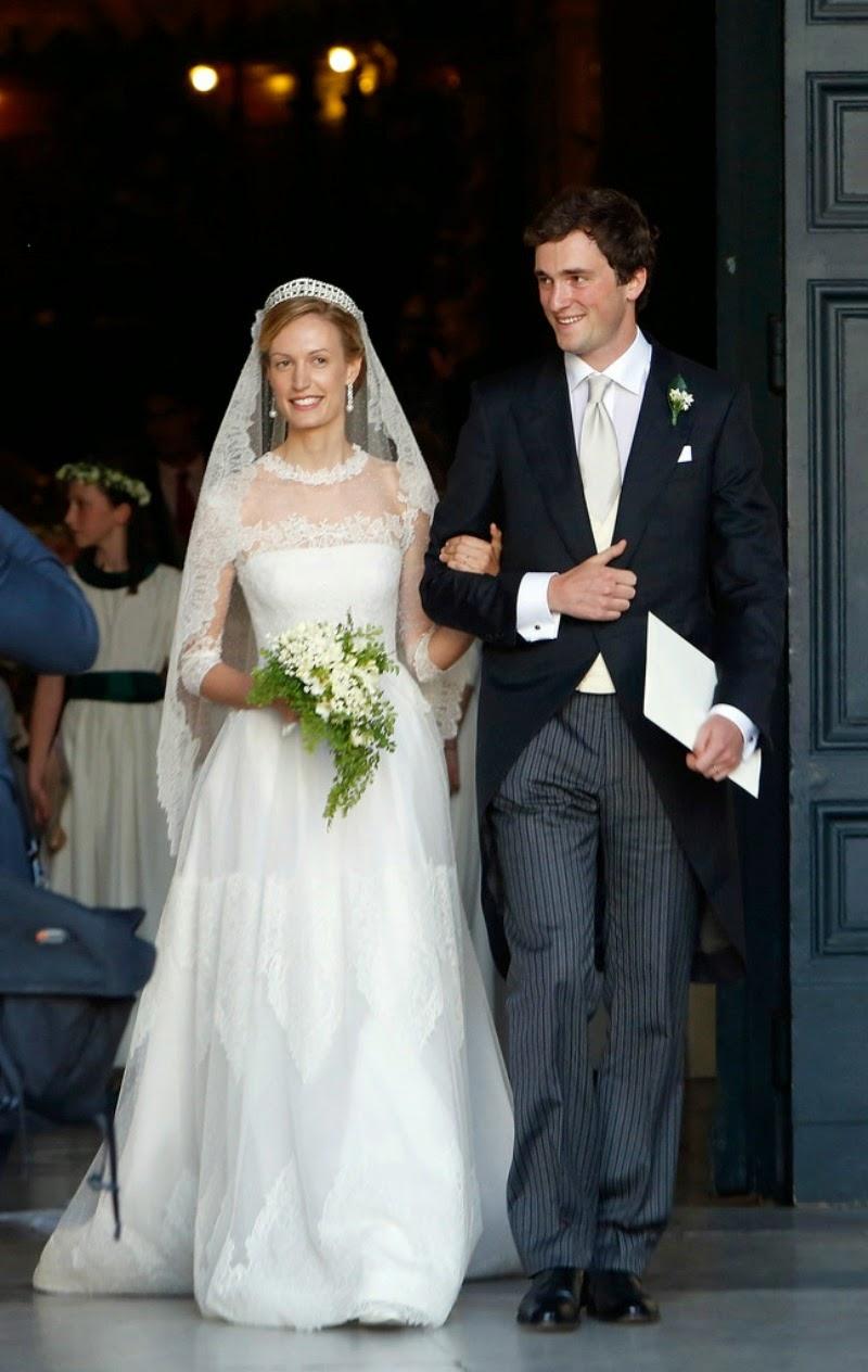 Wedding Of Prince Amedeo And Elisabetta Maria Rosboch Von Wolkenstein Royal Wedding Gowns Royal Wedding Dress Royal Brides [ jpg ]