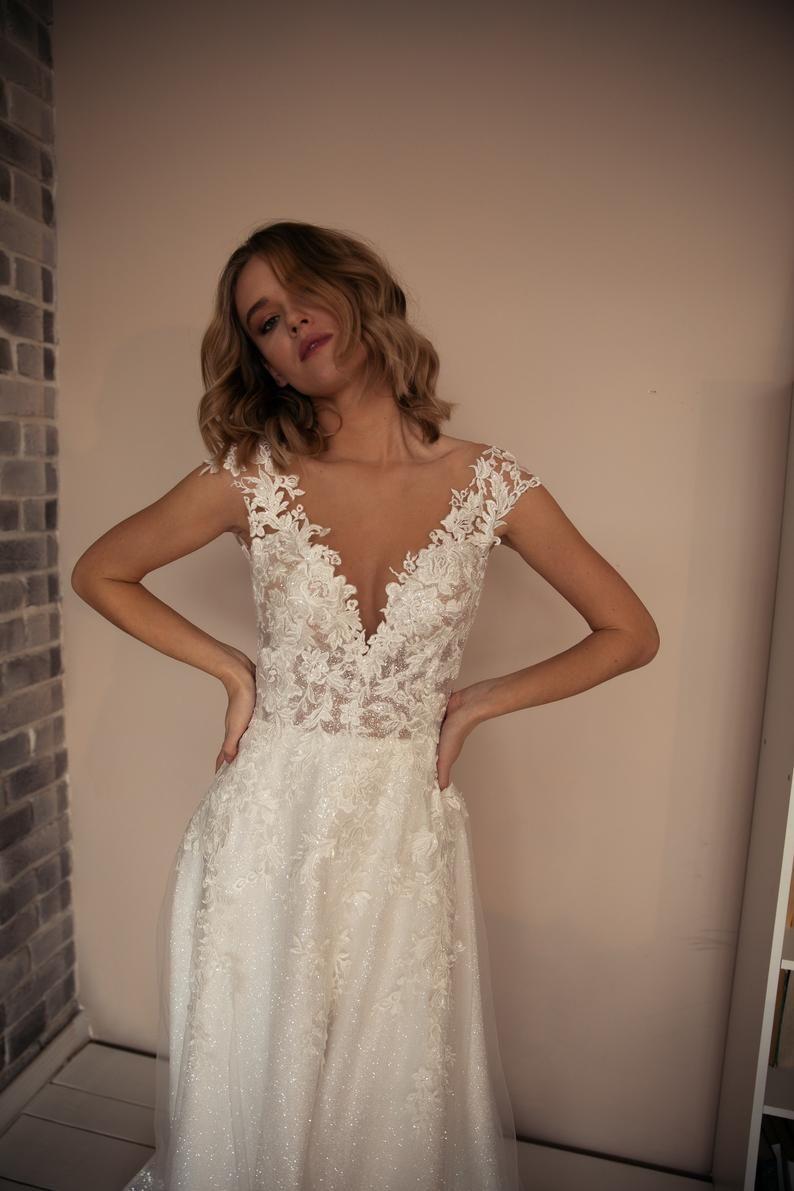 Wedding dress Enn by Olivia Bottega. A-line elegan