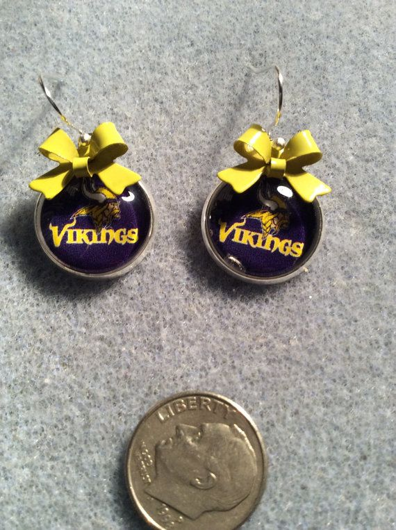 Minnesota Vikings cabochon earrings with by HappyHobbyJewelry
