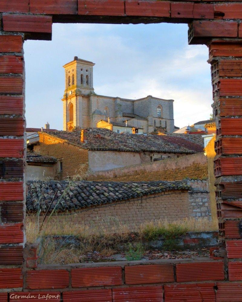 Marco de ventana, o ventana de marco.