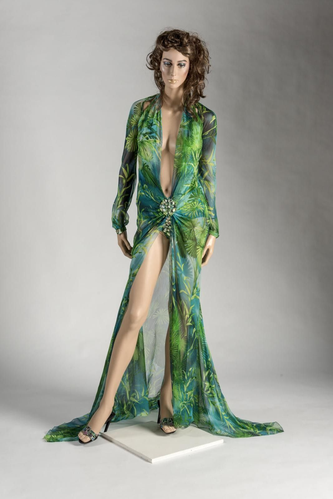 2000 Donatella Versace Versace Fashion Grammy Dresses Jlo Green Dress [ 1600 x 1068 Pixel ]