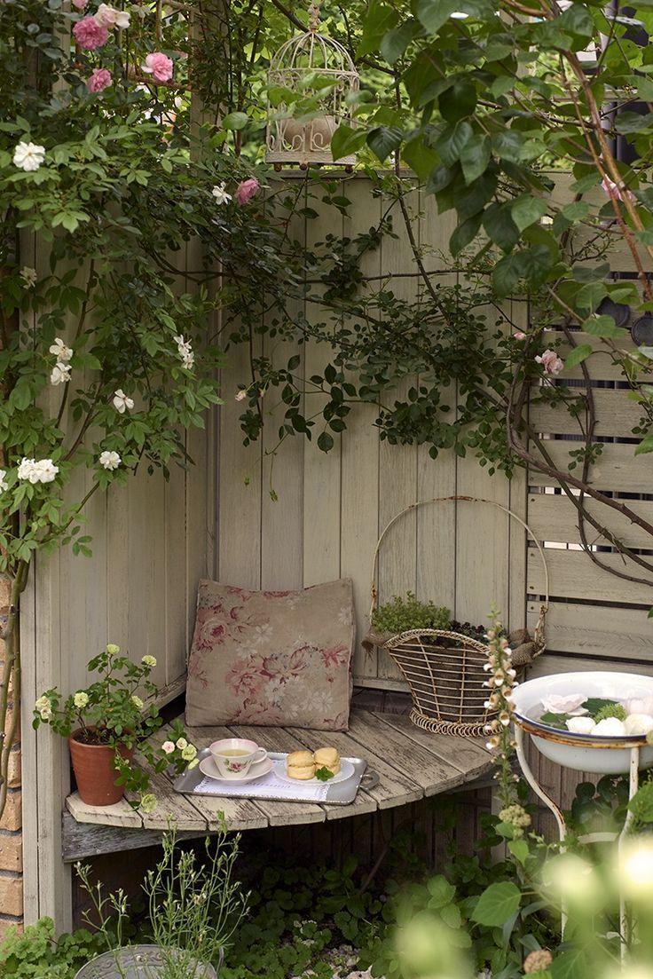 """Photo of """"Min hage, mitt liv"""" Hus omgitt av roser, Saitama Residence, Shibata House"""