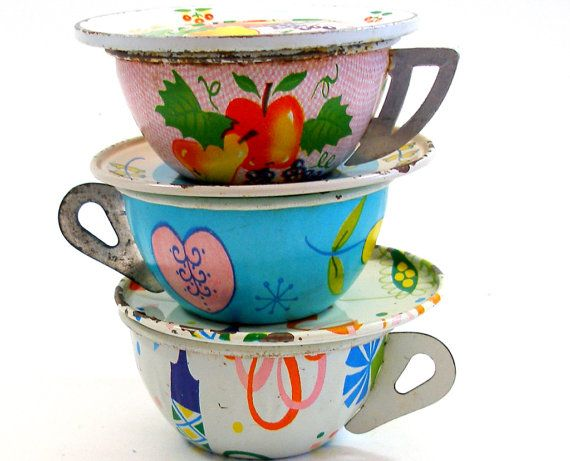 50's Toy Tea Cups & Saucers Set of 6 vintage by OldeTymeNotions, $34.00
