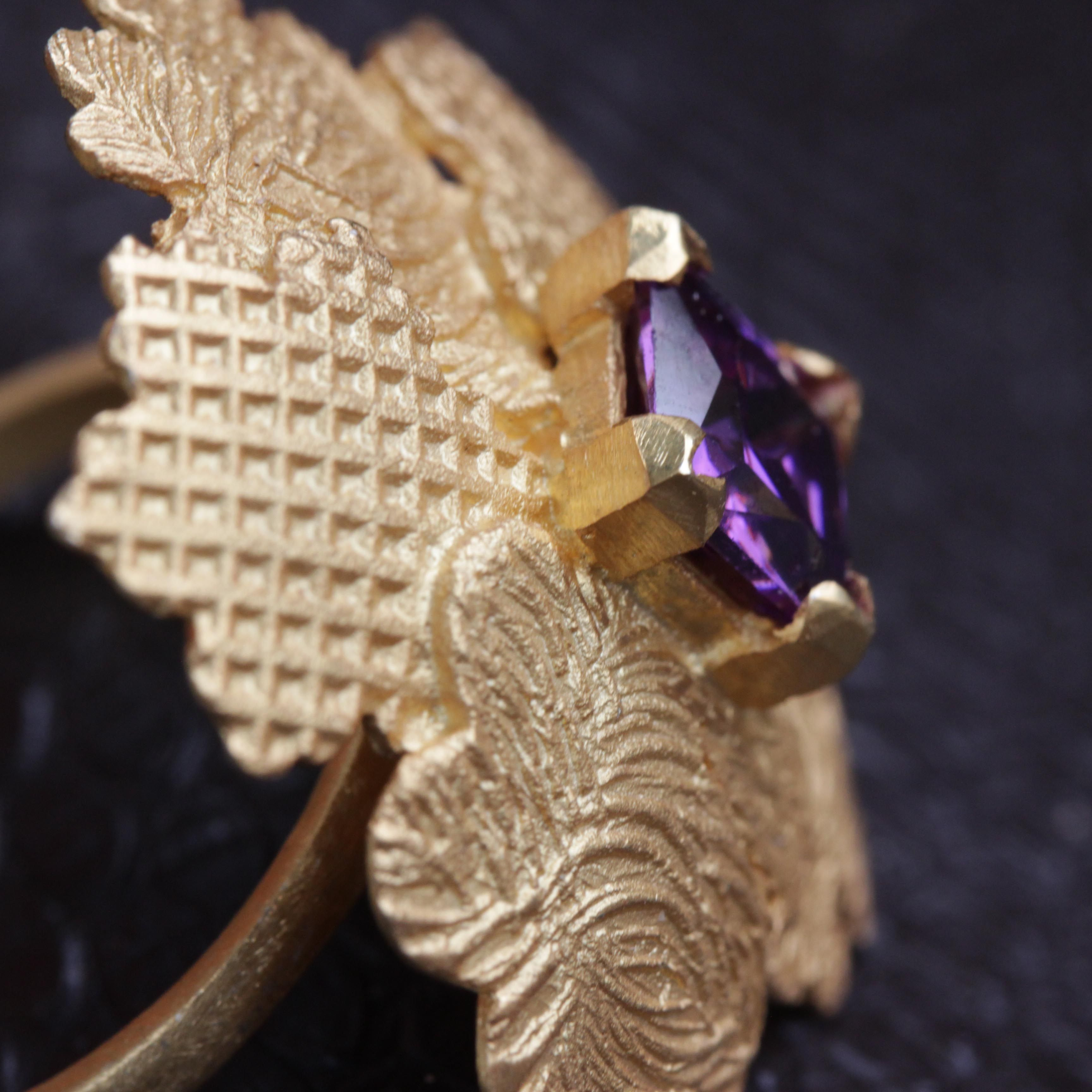 This handmade Le Foglie ring has different patterns on every leaf and a Princess Cut Synthetic Sapphire in the middle. New and available at www.carlogiuliano.com #carlogiulianojewellery #jewellery #carlogiuliano #ring #statementring #sapphire #patterns leaf