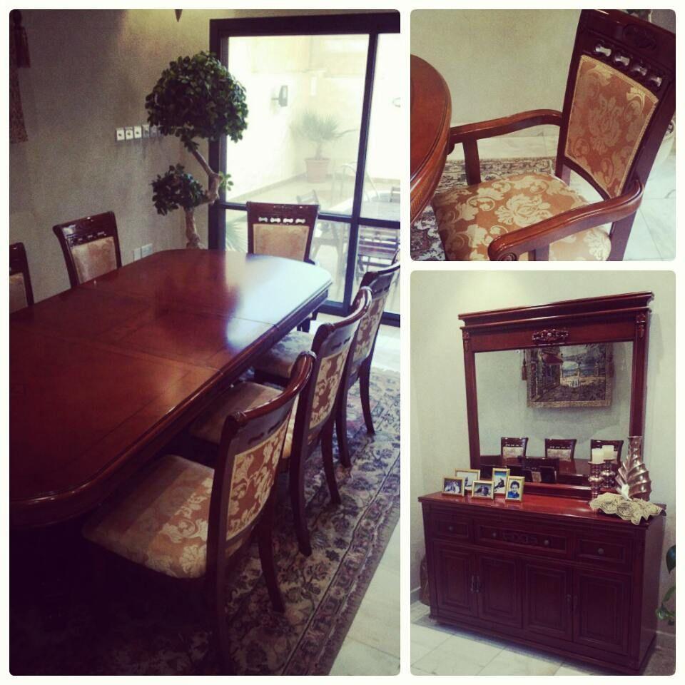 For Sale Wood Dining Table For 8 Person High Quality With Cabinet Mirror Buffet Like New Price 190 Bd للبيع طاولة طعام خشب فخمة ل 8 اشخاص مع طاولة جانبي