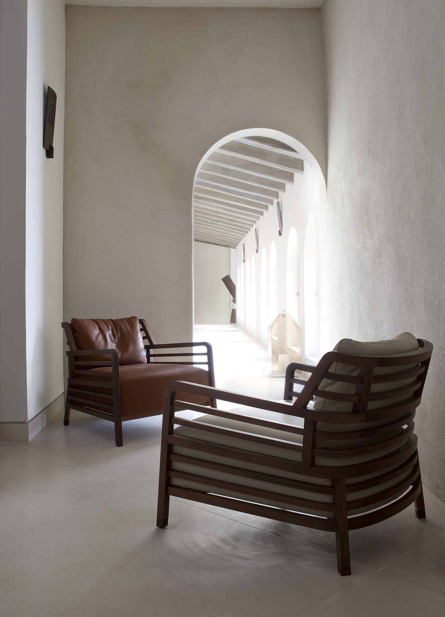 Arla Screen, By Diana M Ller - Ligne Roset Collection