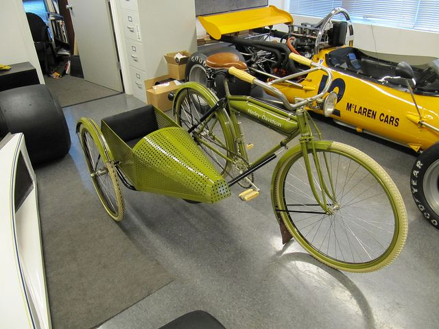 1917 Harley Davidson Bicycle with sidecar