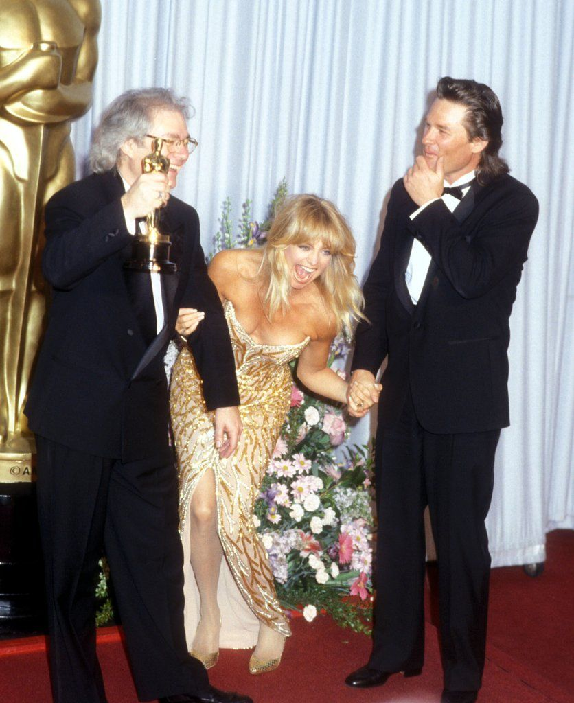 Goldie Hawn And Kurt Russell S Hands Down Sweetest Oscars Moments Over The Years Goldie Hawn Goldie Hawn Kurt Russell Oscar Pictures