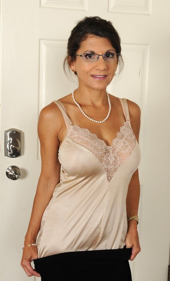 Naked mature women with glasses