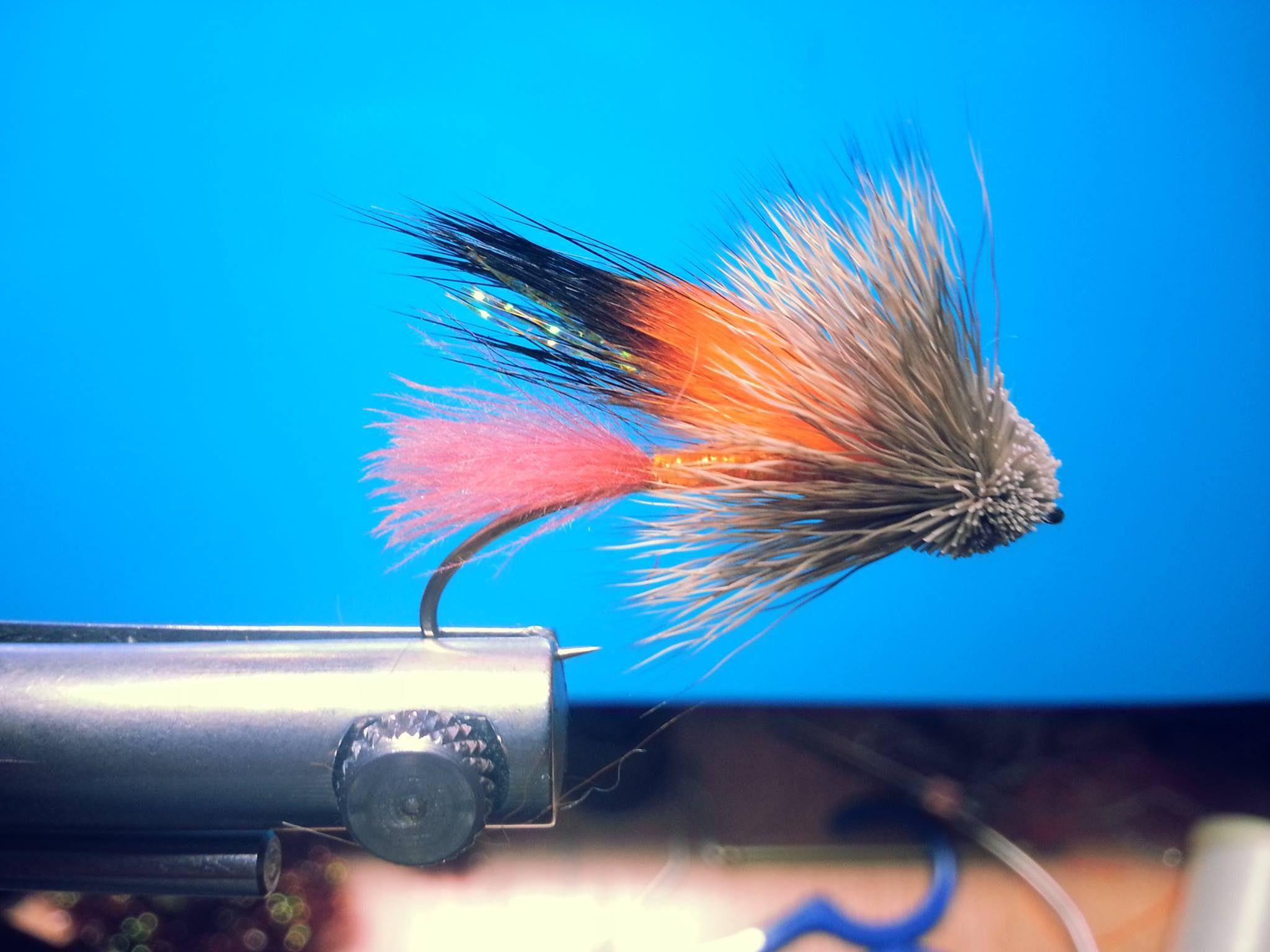 Le Muddler d'automne,cette mouche est excellente sur les monts valins a partir du moi d'aout et surtout pour la truite de mer fin september, octobre et début novembre.