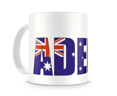 Tasse mit Adelaide Schriftzug. Eine Tasse bedruckt mit dem Schriftzug Adelaide