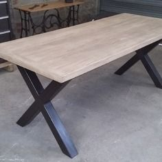 Table industrielle pieds en x maison ouliess pinterest for Table haute 50x50