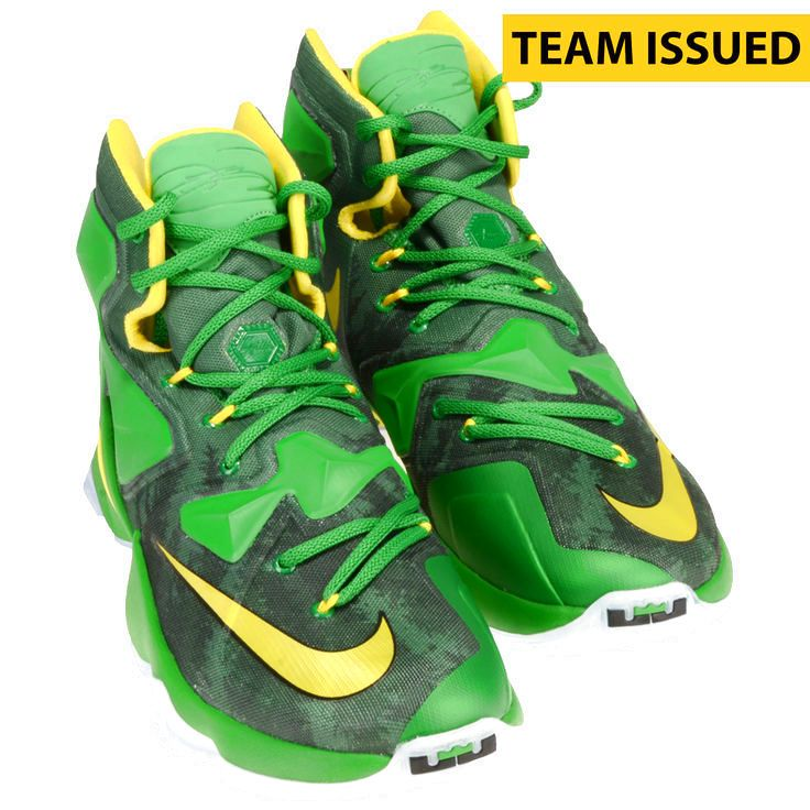 af7eb3fd95ed Oregon Ducks Fanatics Authentic Team-Issued Green Nike Lebron James XIII Basketball  Shoes -  319.99