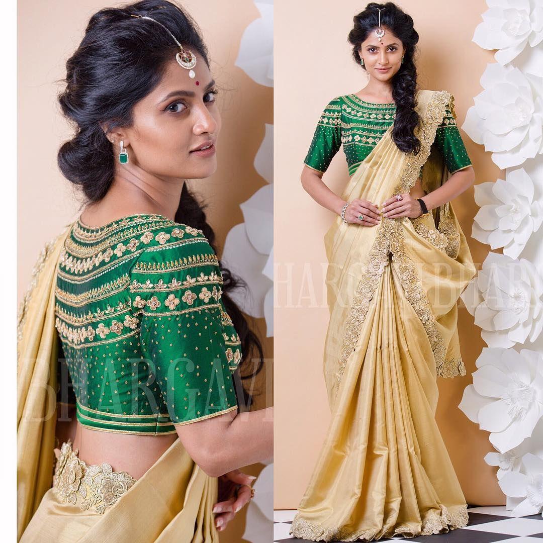 11 Designer Saree Ideas To Pick For Wedding Reception Parties Saree Designs Floral Blouse Designs Designer Sarees Wedding
