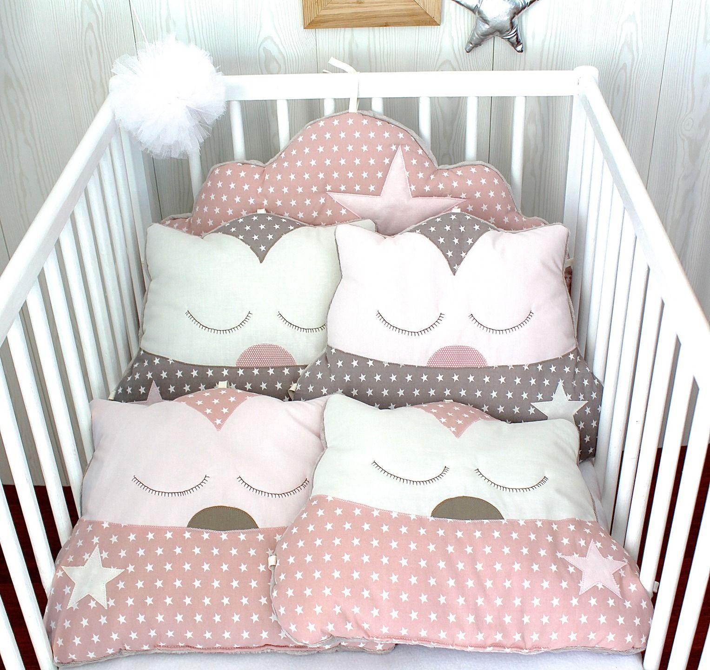 Tour de lit bébé fille, nuage et chats, 5 coussins, ton rosé et ...