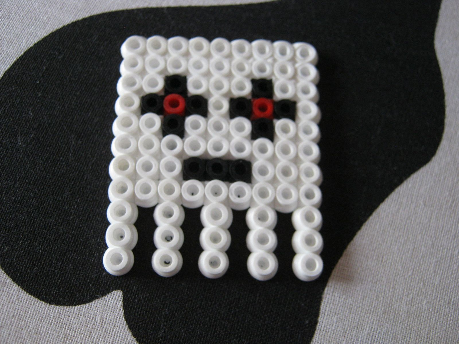 http://s3.amazonaws.com/images.coplusk.net/project_images/153064/image/Minecraft_Ghast__Hama__5.jpg