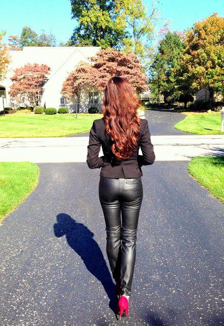 Photo of www.streetstyleci … La deg inspirere av folkene på gaten! Faux skinnbukser