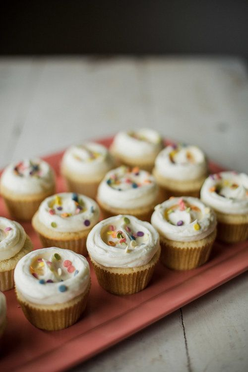Vanilla Cupcakes With Vanilla Buttercream My Name Is Yeh Food