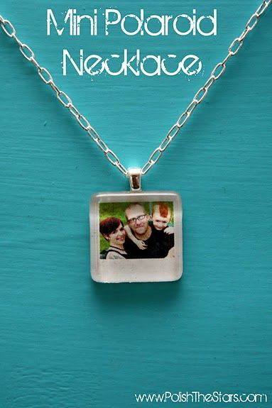 Jewelry Photo Craft~ This mini photo photo necklace is kind of my version of the old photo locket. It is really easy to make! You can use pics from instagram too!