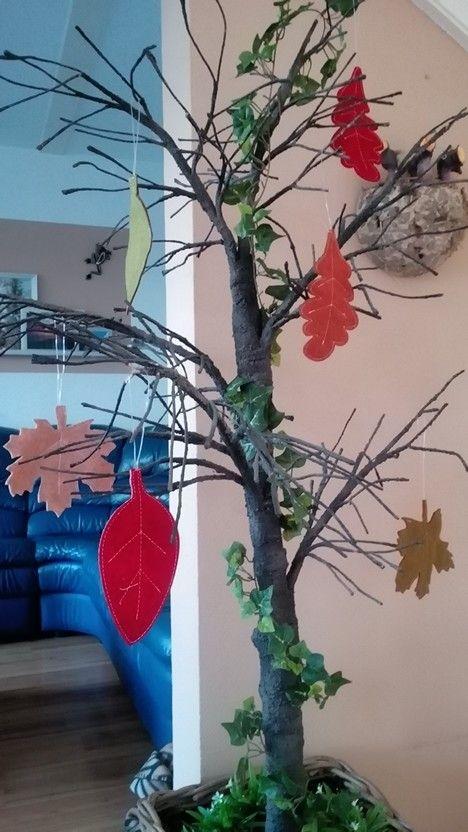 Mijn herfstboom met vilten bladeren