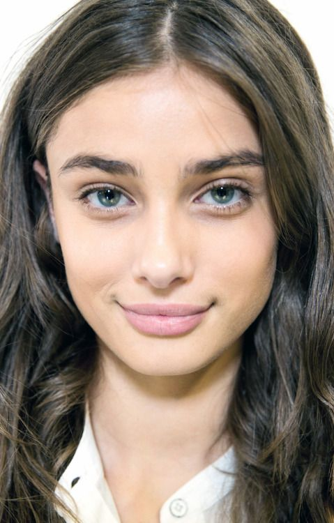 taylor marie hill at versus spring 2016