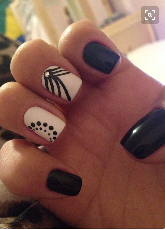 Black And White Nail Design With Lines And Dots Nail Designs White Nails White Nail Designs