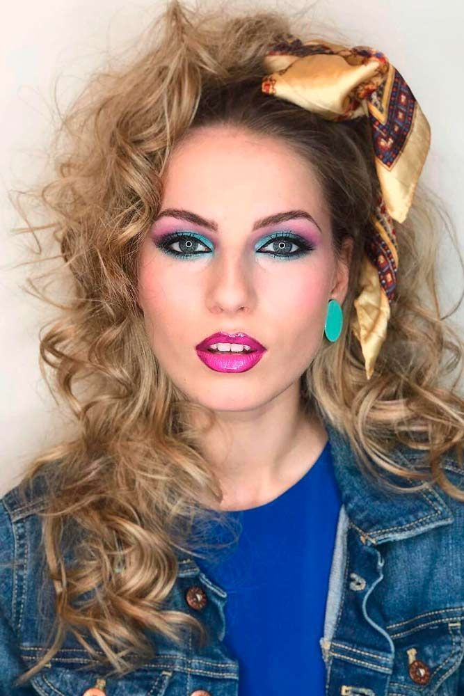 Hair Through History Retro Hairstyles Long Hair Curly Hairstyles To The Elation In Favor In 2020 Retro Hairstyles 80s Makeup Looks 80s Hair