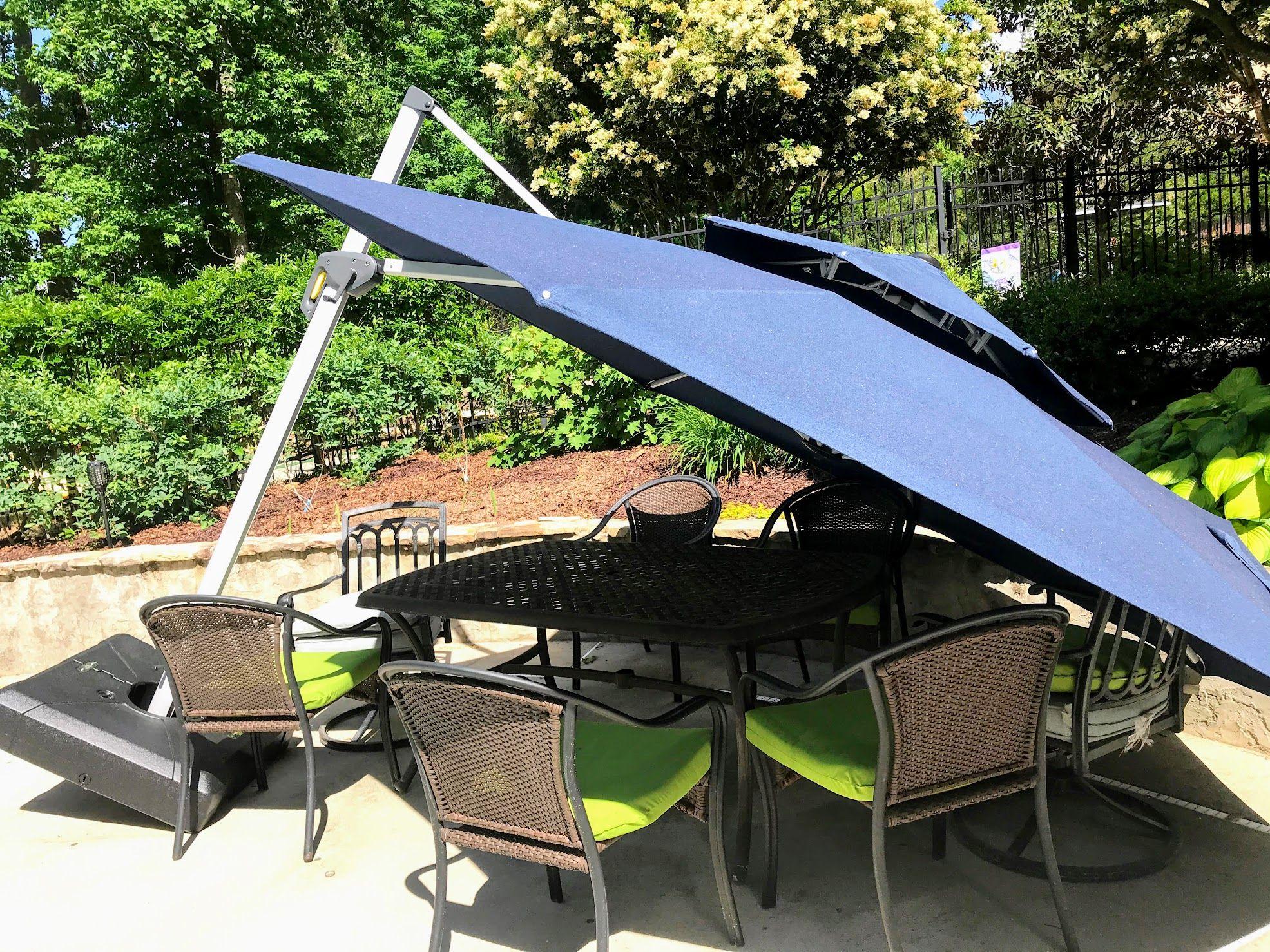 Cantilever Patio Umbrella Guide To Windproofing In 2020 Best Patio Umbrella Patio Patio Umbrellas