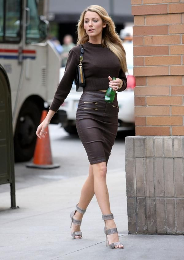 Blake Lively Stylechi 2013 Brown Cropped Sweater High
