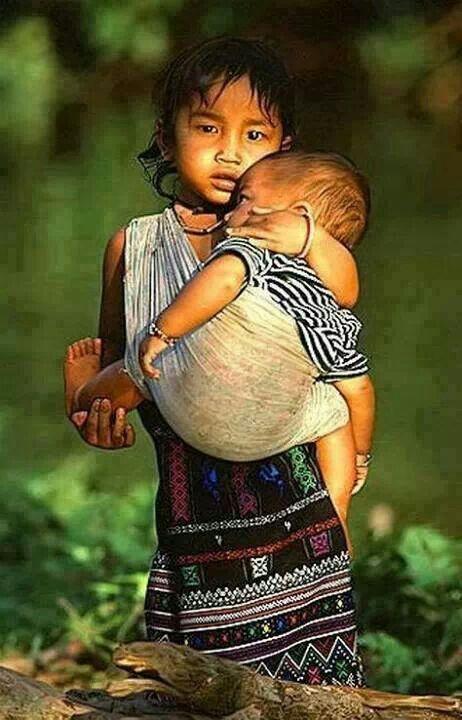 80a2f38a3fc3 Épinglé par Lsylvie sur Bébé mignon   Pinterest   Enfant du monde ...