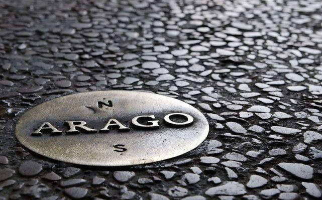 Arago Medallions | Atlas Obscura