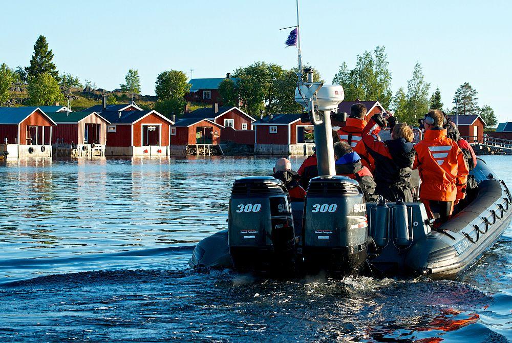 Mit Dem Boot Zum Schonen Restaurant Klubvikken Havsbad Graeme Richardson Http Www Nordicmarketing De Braendoen Lodge Im Lulea Archipel Prettyphoto