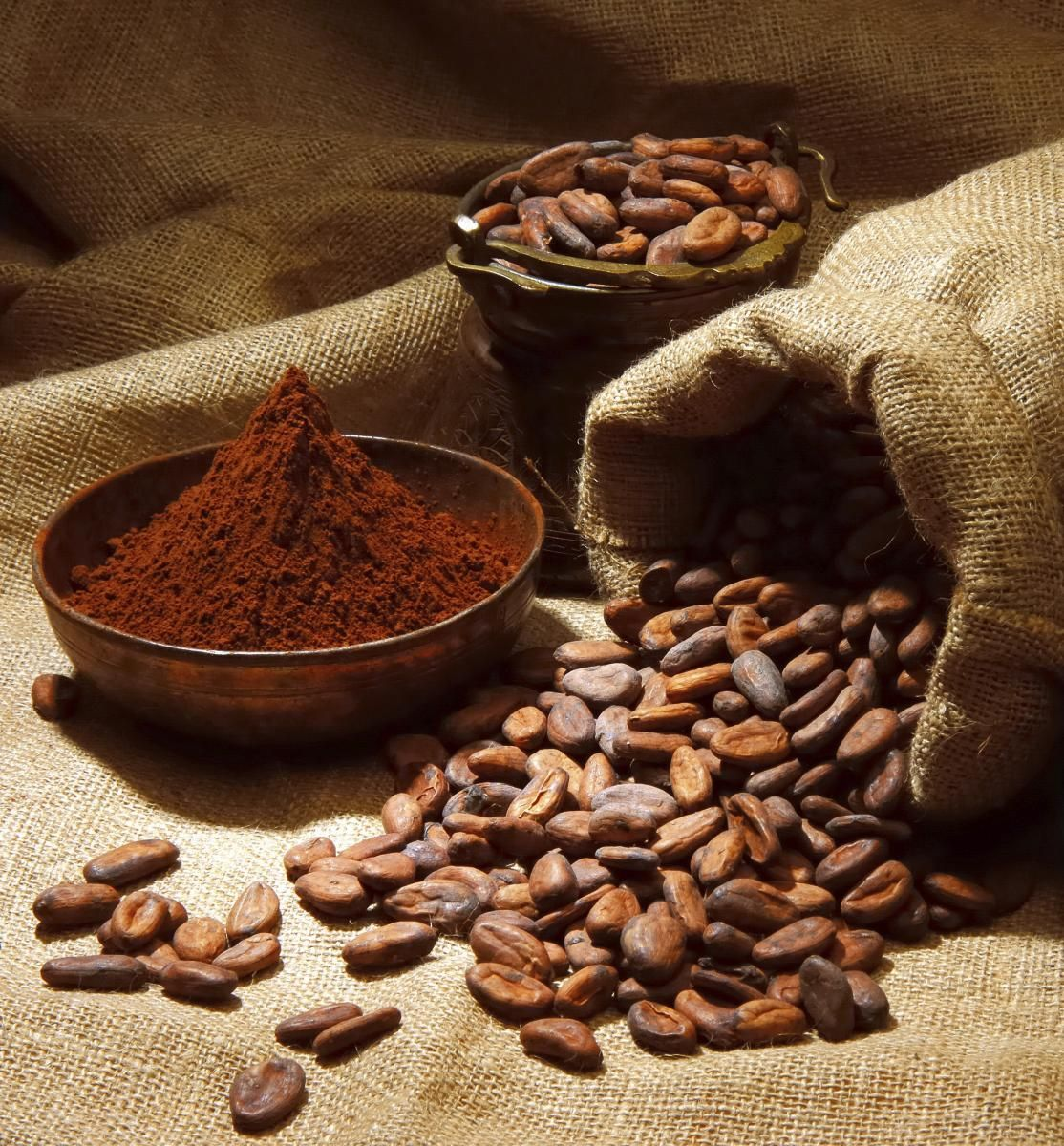 Benefits of #Cacao powder: magnesium & phosphorous! Plus it's great in a smoothie!