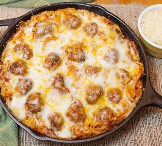 @ItsFoodPorn : Baked Spaghetti & Meatballs. https://t.co/VXcZdYIyHI
