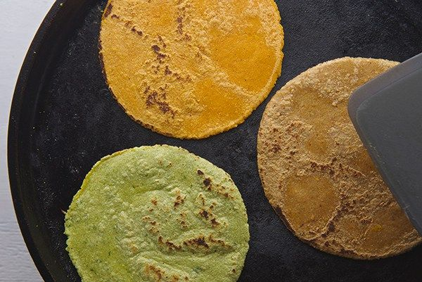 Handmade-Corn-tortillas_on-the-comal-Yes,-more-please!