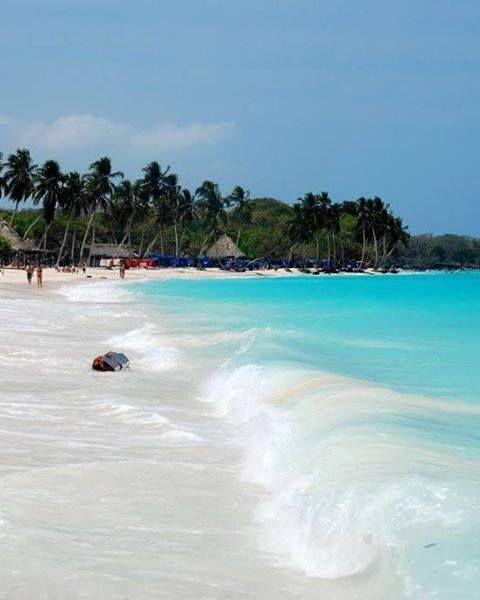 Playa Blanca Si tu #DestinoFavorito es #Cartagena visitanos en www.easyfly.com.co/Vuelos/Tiquetes/vuelos-desde-cartagena