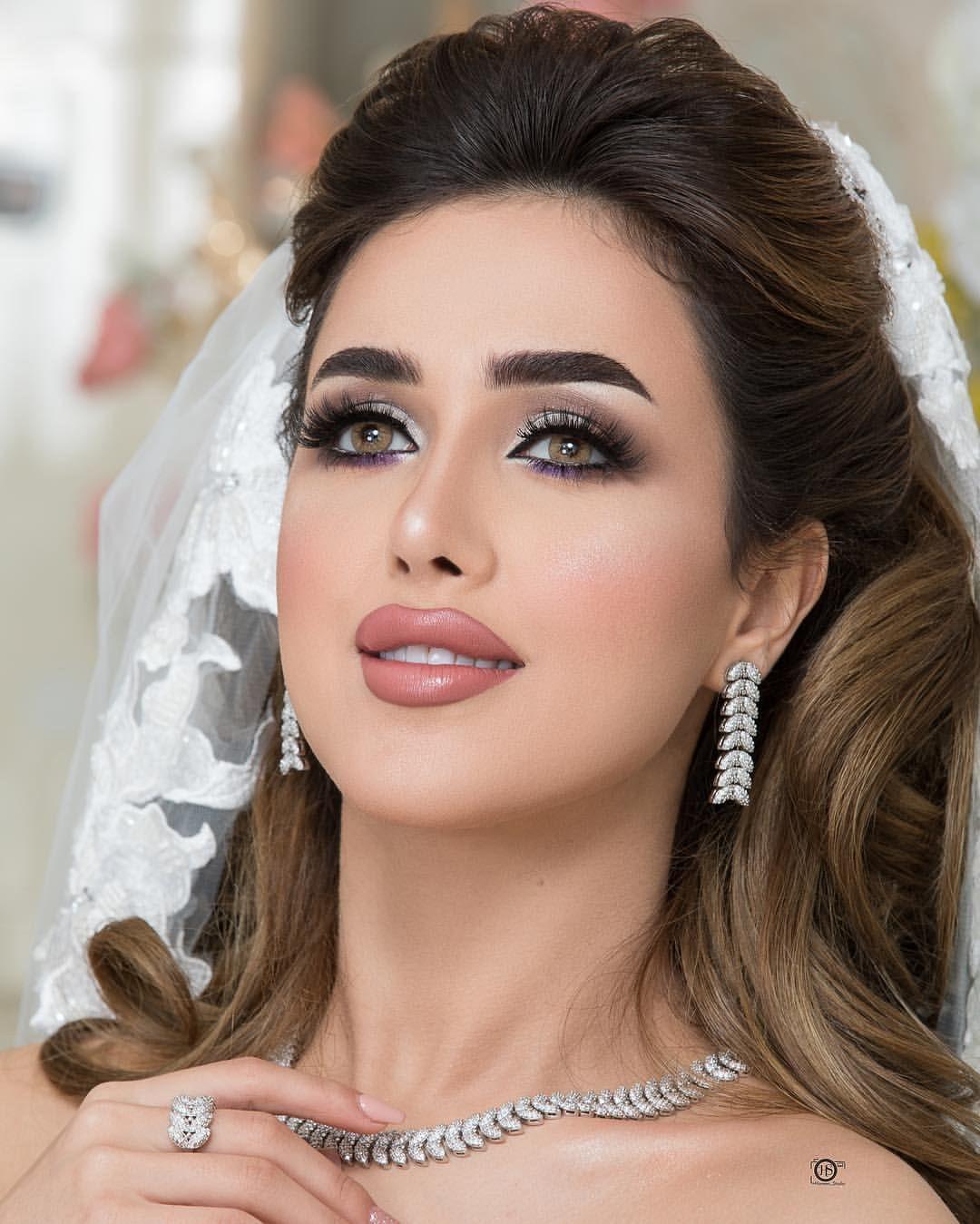 دبي فجيرة الأمارات شعر ستايل لوك تسريحات تسريحة صالون خبيرة تجميل فشن فشنيستا العين Gorgeous Wedding Makeup Beautiful Makeup Beautiful Girl Face